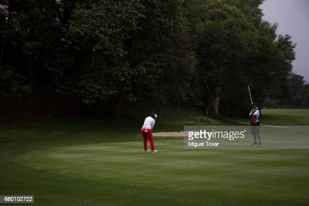 Sei Young Kim of South Korea plays a putt shot during the final round of the Citibanamex Lorena Ochoa Match Play Presented by Aeromexico and Delta at...