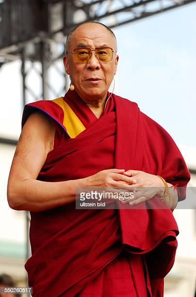 Seine Heiligkeit der 14 Dalai Lama während einer Kundgebung unter dem Motte Freiheit für Tibet in Berlin