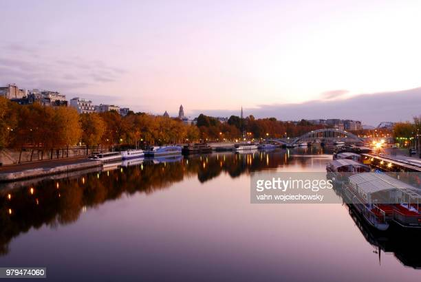 """seine"""" in the morning - vahn stock pictures, royalty-free photos & images"""
