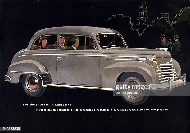 Seitenansicht einer Olympia Limousine in der vier Personen sitzen 1951