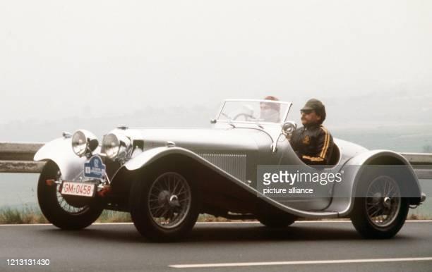 Seitenansicht eines Jaguar vom Typ SS 90 aus dem Baujahr 1935 aufgenommen im Juni 1980 Der Allgemeine SchnauferlClub veranstaltet am 6 und 7 Juni...