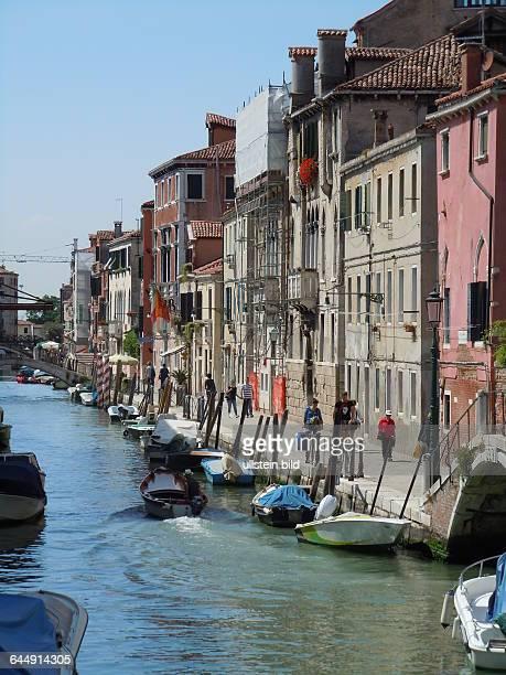 Seitenkanal im Stadtteil Castello aufgenommen am 17 Mai 2015 im Stadtviertel Castello in Venedig