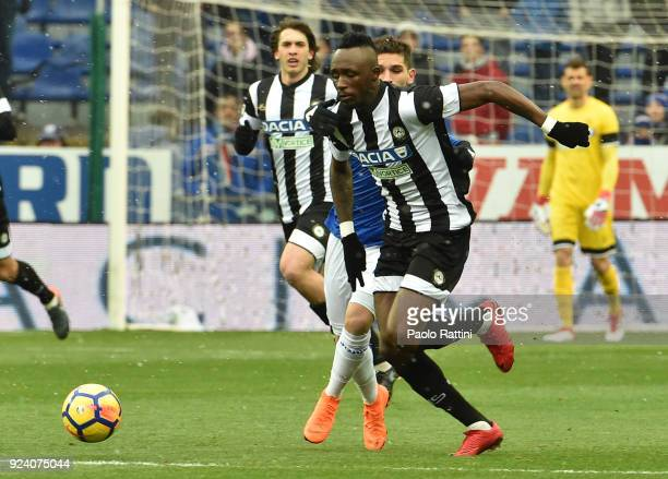 Seko Fofana of Udinese in action during the serie A match between UC Sampdoria and Udinese Calcio at Stadio Luigi Ferraris on February 25 2018 in...