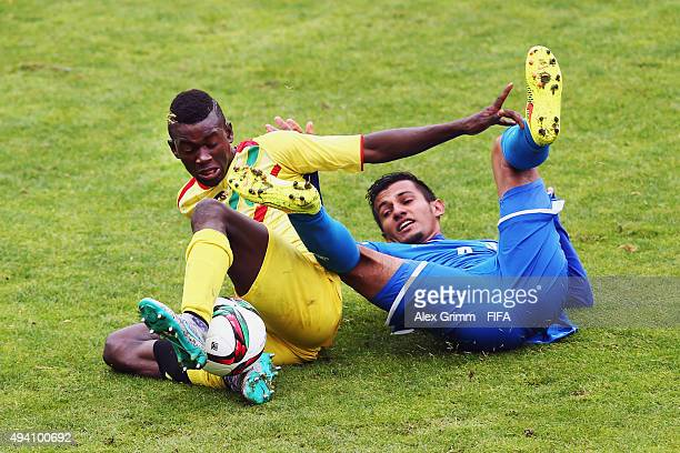 Sekou Koita of Mali is challenged by Jorge Alvarez of Honduras during the FIFA U-17 World Cup Chile 2015 Group D match between Mali and Honduras at...