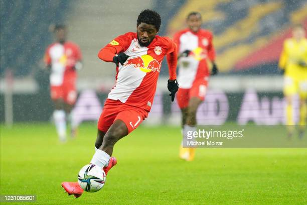Sekou Koita of Salzburg moves the ball during the tipico Bundesliga match between FC Red Bull Salzburg and FK Austria Wien at Red Bull Arena on...