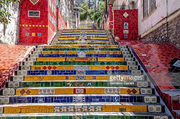 selaron's stairs (escadaria selarón). - río de janeiro fotografías e imágenes de stock