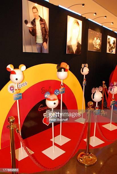 Selbstgebastelte MickeyMouse Ohren Mickys Fantastisches Fest zugunsten von Ein Herz für Kinder Disneyland Resort Paris Walt Disney Studios Frankreich...