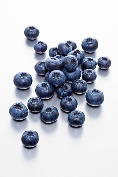 selection of blueberries - 藍莓 個照片及圖片檔
