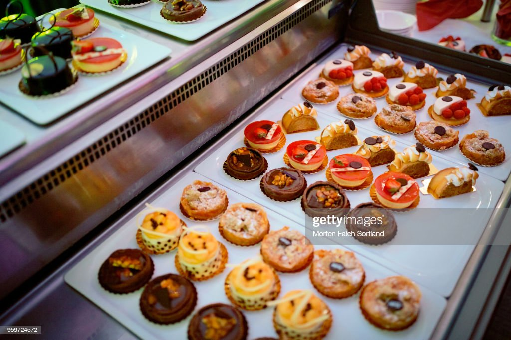A Selection of Colorful Desserts at a Wedding Reception in Berlin, Germany Summertime : Stock-Foto