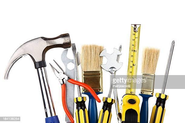Selección de herramientas de trabajo sobre un fondo blanco, liso