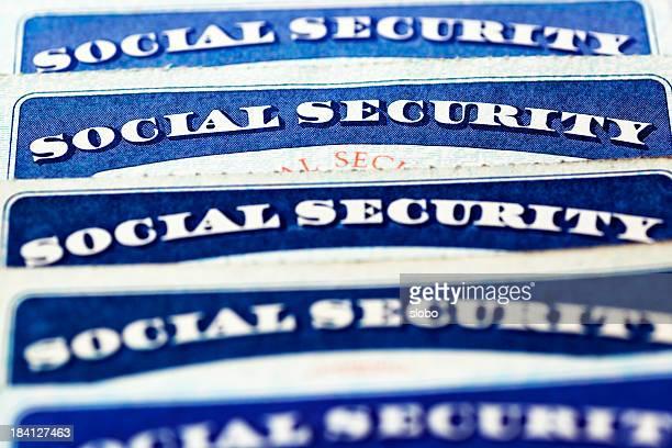 Mise au point sélective sur la rangée de carte de sécurité sociale