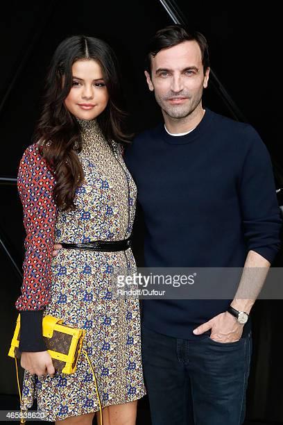 19 Selena Gomez Louis Vuitton Paris Fashion Week Nicolas 2016 Photos And Premium High Res Pictures Getty Images