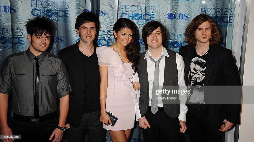 2011 People's Choice Awards - Arrivals : News Photo