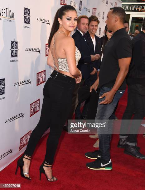 Selena Gomez arrives at the 'Behaving Badly' Los Angeles Premiere at ArcLight Hollywood on July 29 2014 in Hollywood California