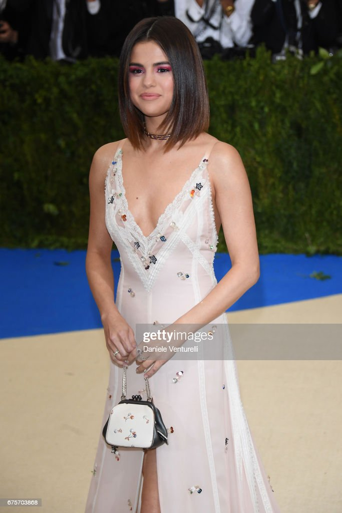 Selena Gomez attends 'Rei Kawakubo/Comme des Garcons: Art Of The In-Between' Costume Institute Gala - Arrivals at Metropolitan Museum of Art on May 1, 2017 in New York City