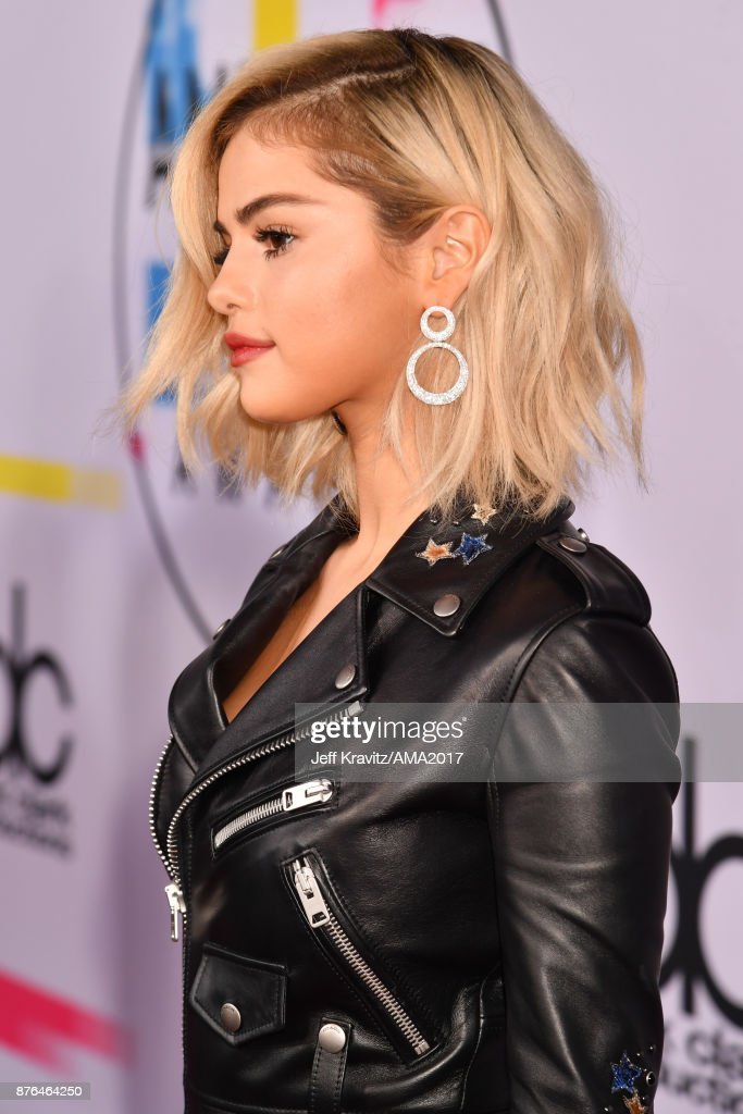 2017 American Music Awards - Red Carpet : News Photo