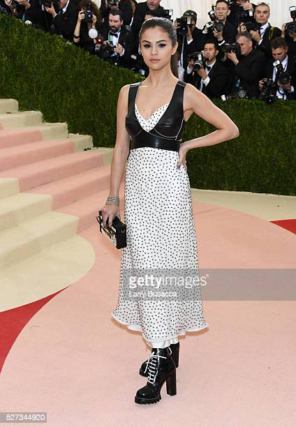 Selena Gomez attends the 'Manus x Machina Fashion In An Age Of Technology' Costume Institute Gala at Metropolitan Museum of Art on May 2 2016 in New...