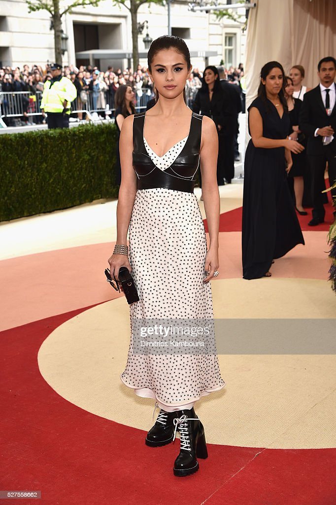 """Manus x Machina: Fashion In An Age Of Technology"" Costume Institute Gala - Arrivals : ニュース写真"