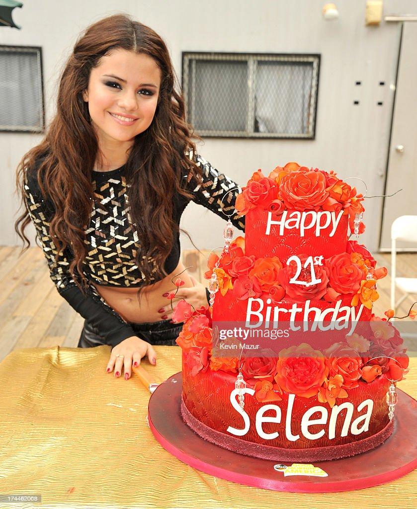 Selena Gomez Performs On ABC's 'Good Morning America' : News Photo