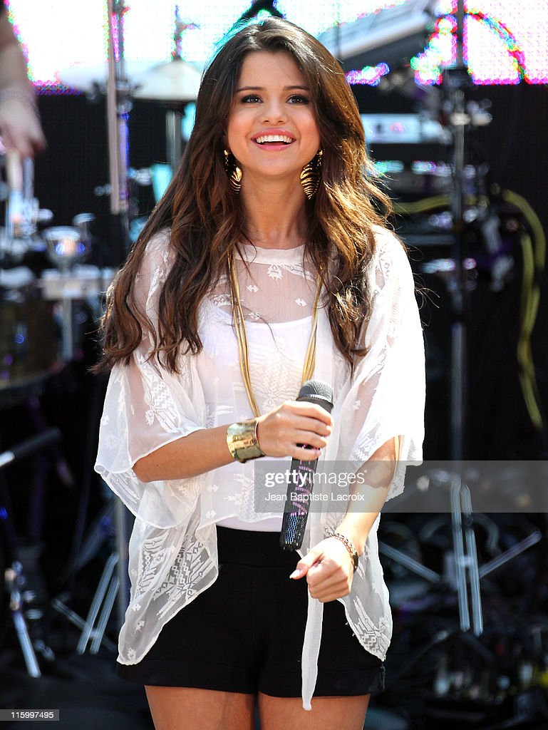 Selena Gomez performs at Santa Monica Place on June 13, 2011 in Santa Monica, California.