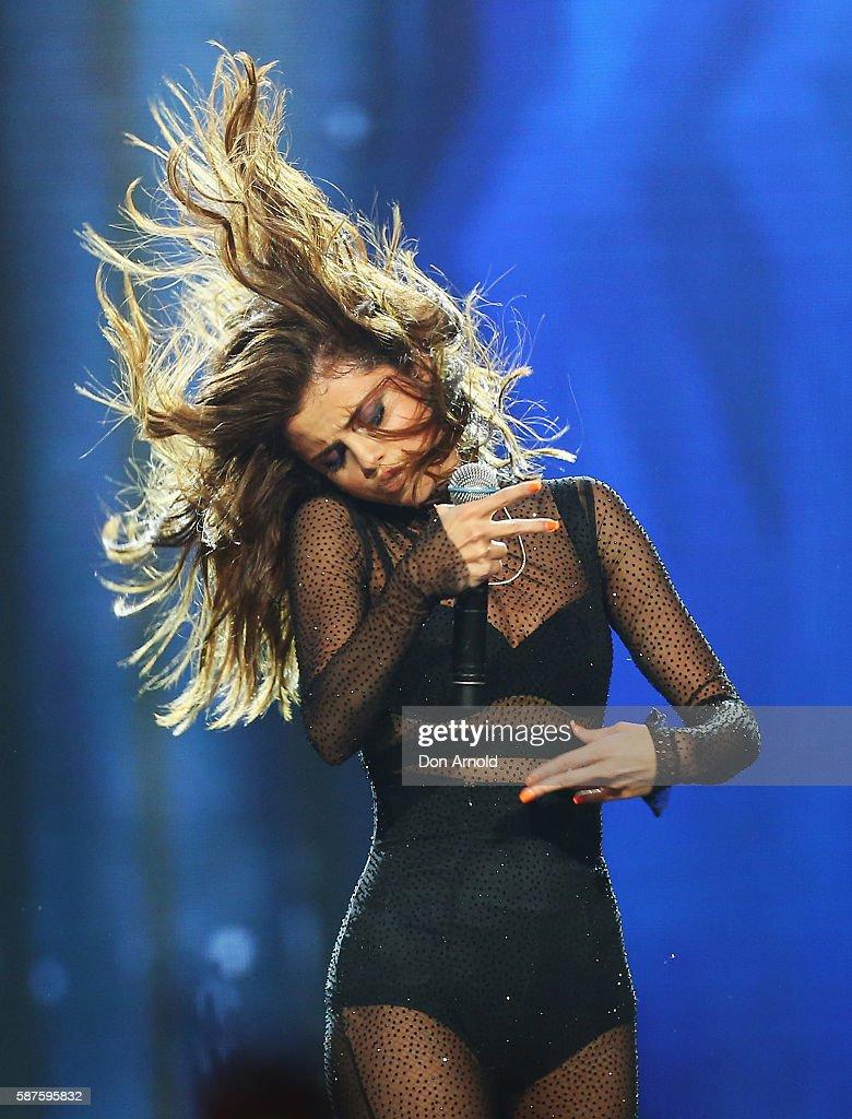 Selena Gomez Revival World Tour : News Photo