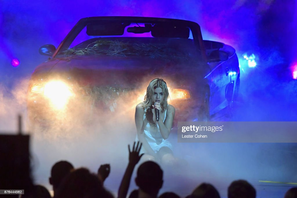Selena Gomez performs onstage during the 2017 American Music Awards at Microsoft Theater on November 19, 2017 in Los Angeles, California.
