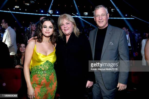 Selena Gomez, Scott Swift and Andrea Swift attend the 2019 American Music Awards at Microsoft Theater on November 24, 2019 in Los Angeles, California.