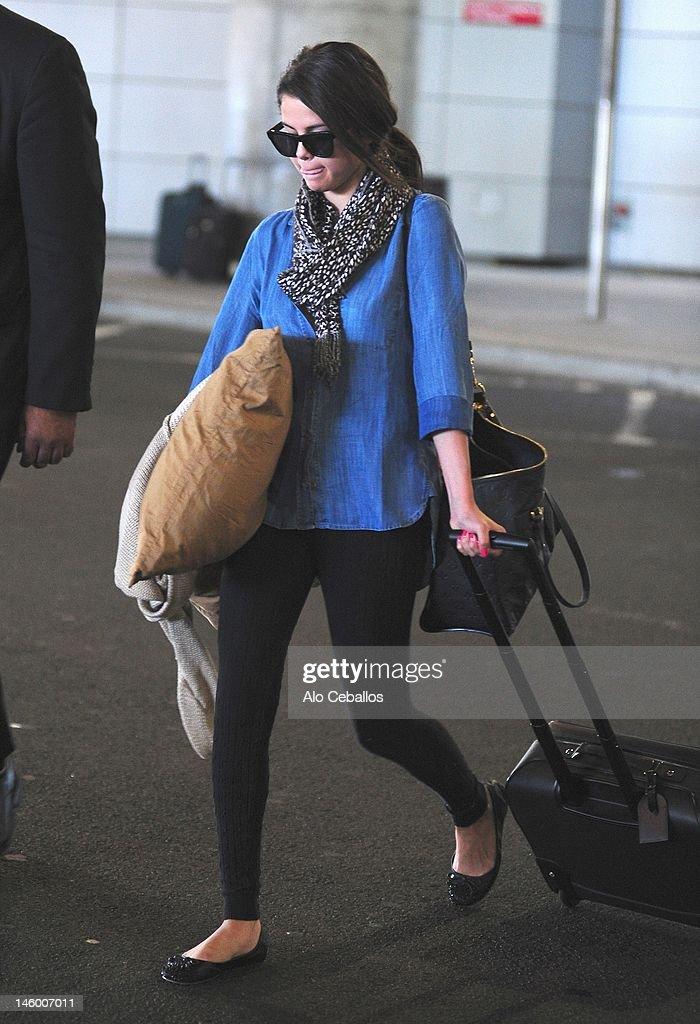 Celebrity Sightings In New York City - June 8, 2012 : Nachrichtenfoto