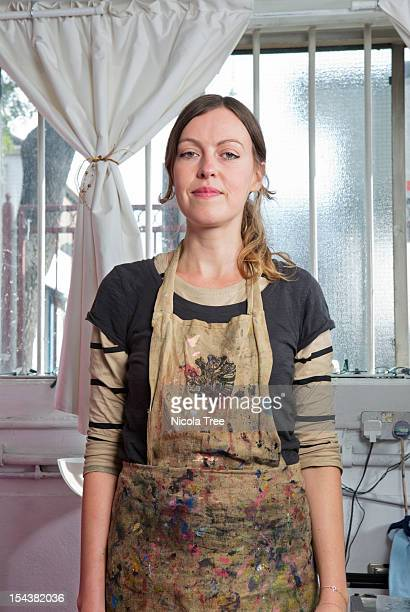 a self employed business women in her studio - artist stock pictures, royalty-free photos & images