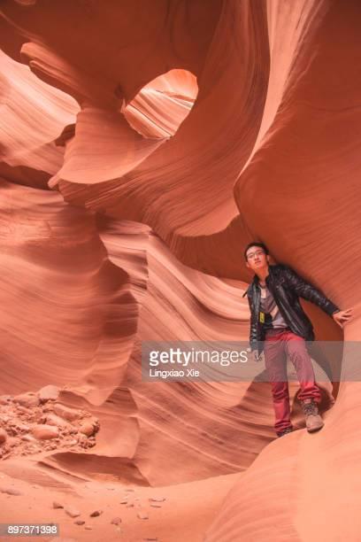 selfie inside famous lower antelope canyon, page, arizona, usa - ロウワーアンテロープ ストックフォトと画像
