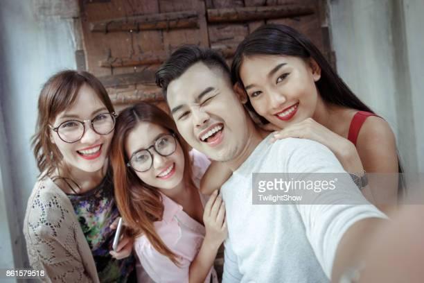 selfie - teen webcam photos et images de collection