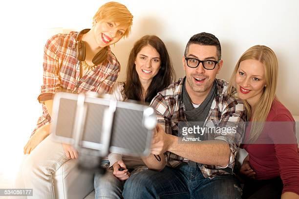 Selfie avec un bras télescopique pour smartphone