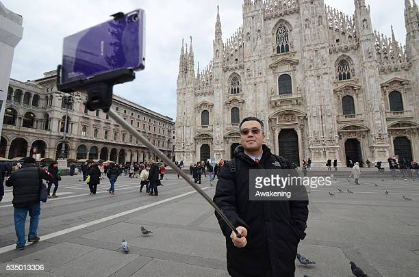 Selfies with the stick has been the trendy fashion 2014 in Italy but with the Expo 2015 in Milan sellers are expecting a booming business