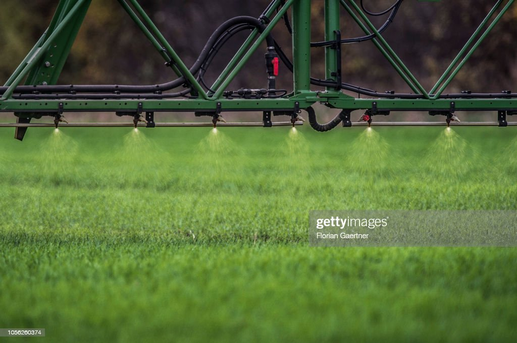 Self-Propelled Row-Crop Sprayer : Nieuwsfoto's