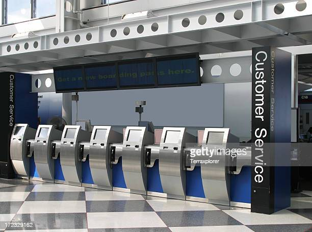 self-ticketing machines in airport - ohare airport stock pictures, royalty-free photos & images