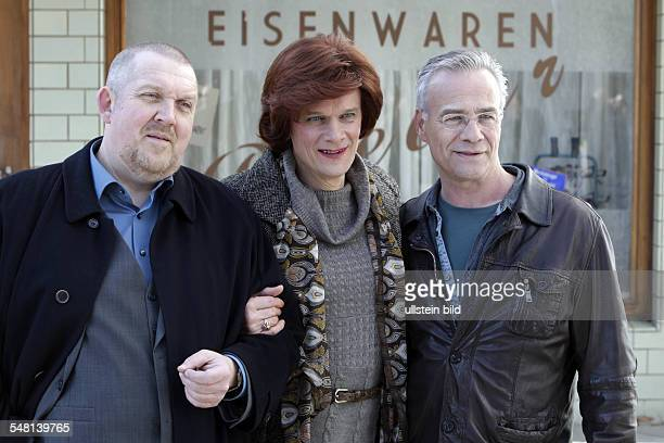 Selge Edgar Actor Germany with actors Dietmar Baer and Klaus J Behrendt during filming for the 50th Tatort 'Altes Eisen'