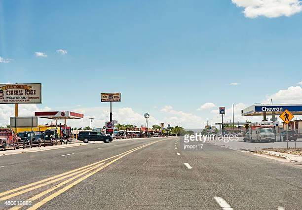 Seligman アリゾナの通りの眺めや数多くのショップ