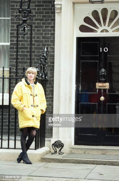 Selina Scott at 10 Downing Street amid the Conservative Party leadership battle 21st November 1990