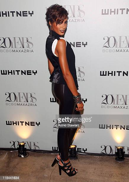 Selita Ebanks attends the 2009 Whitney Contemporaries Art Party and auction at Skylight on June 17, 2009 in New York City.