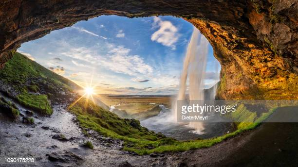 seljalandfoss waterfall in summer time at sunset,  iceland - islanda foto e immagini stock