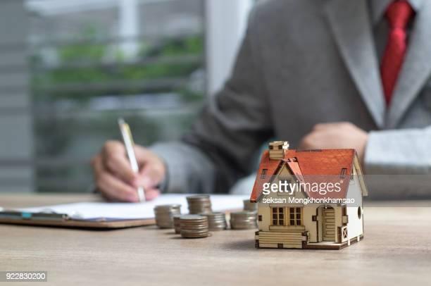 sell house - seguro de habitação - fotografias e filmes do acervo