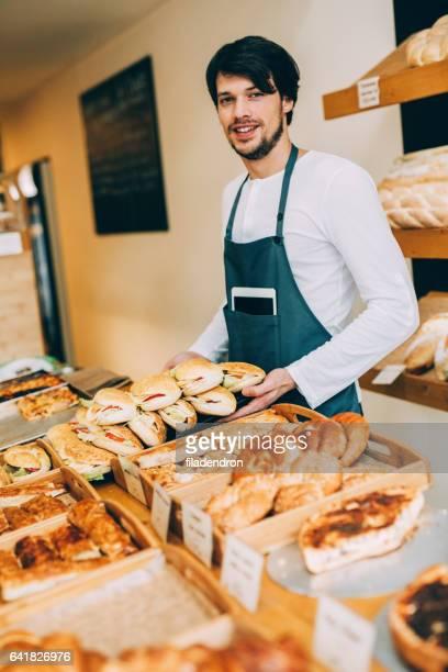 Vendeur dans une boulangerie