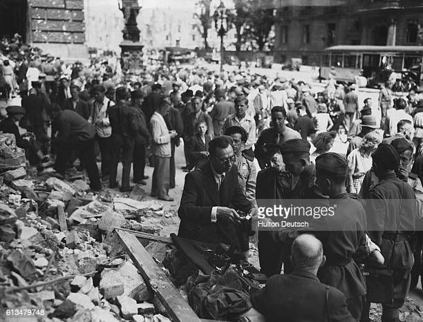 Sellers and customers at the black market near the Reichstag at the end of the Second World War Germany | Location Near Reichstag Berlin Germany