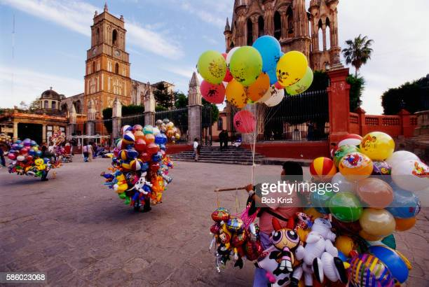 Selling Balloons in Jardin Square