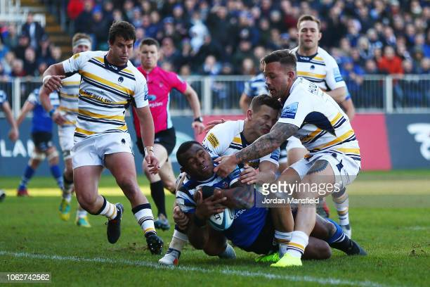 Semesa Rokoduguni of Bath touches down his teams first try during the Gallagher Premiership Rugby match between Bath Rugby and Worcester Warriors at...