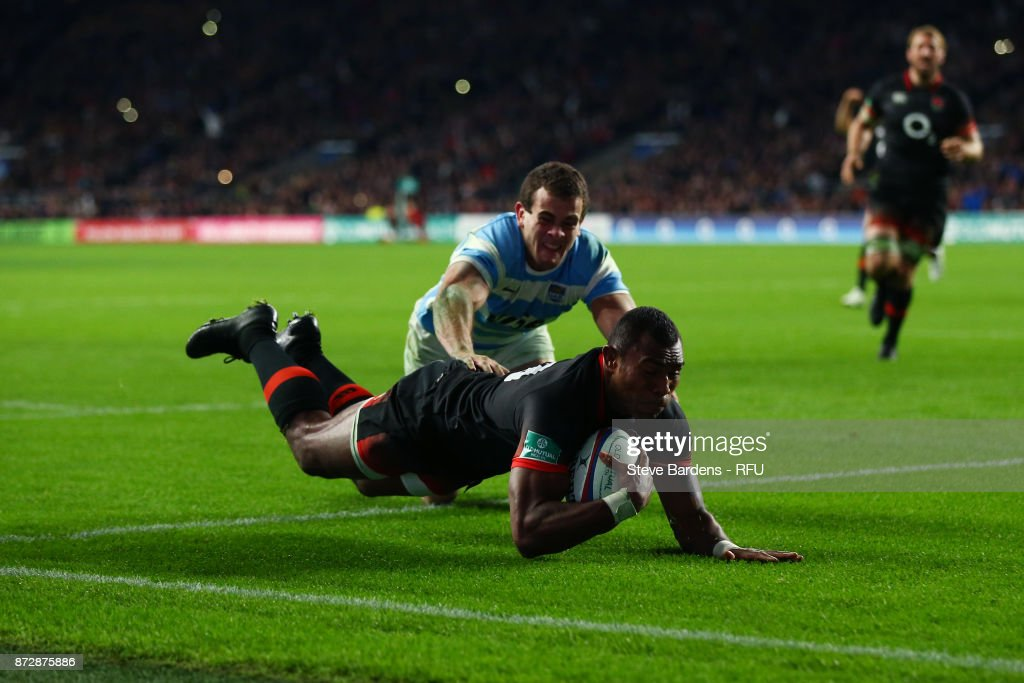 Semesa Rokoduguni of England touches down for the second try during the Old Mutual Wealth Series match between England and Argentina at Twickenham Stadium on November 11, 2017 in London, England.