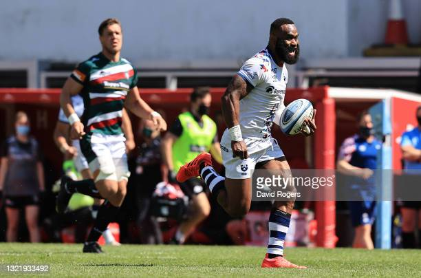 Semi Radradra of Bristol Bears breaks clear to score their first try during the Gallagher Premiership Rugby match between Leicester Tigers and...