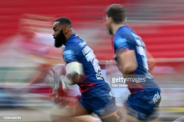 Semi Radradra of Bristol Bears makes a break during the Gallagher Premiership Rugby match between Bristol and Harlequins at Ashton Gate on March 27,...
