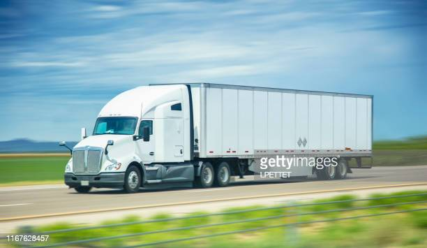 semi truck - semi truck stock pictures, royalty-free photos & images
