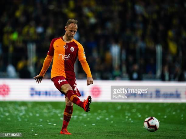Semih Kaya of Galatasaray during the Turkish Super Lig match between Fenerbache and Galatasaray at the ükrü Saracolu Stadium in Istanbul Turkey on...